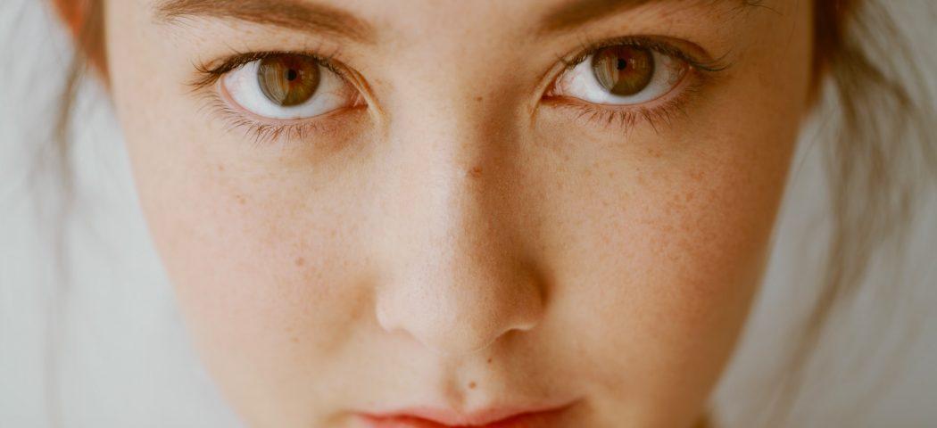 Consigli pratici per la detersione del viso: la guida step by step